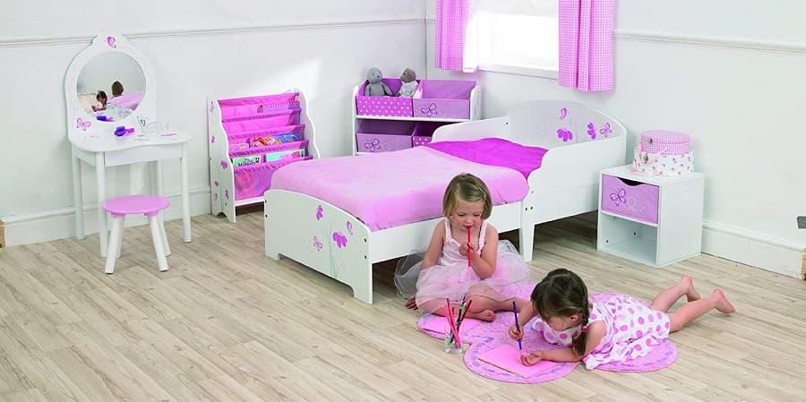 Mobiliario montessori para bebes y niños