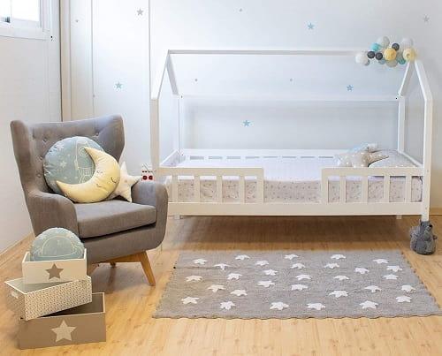 cama montessori con barandas